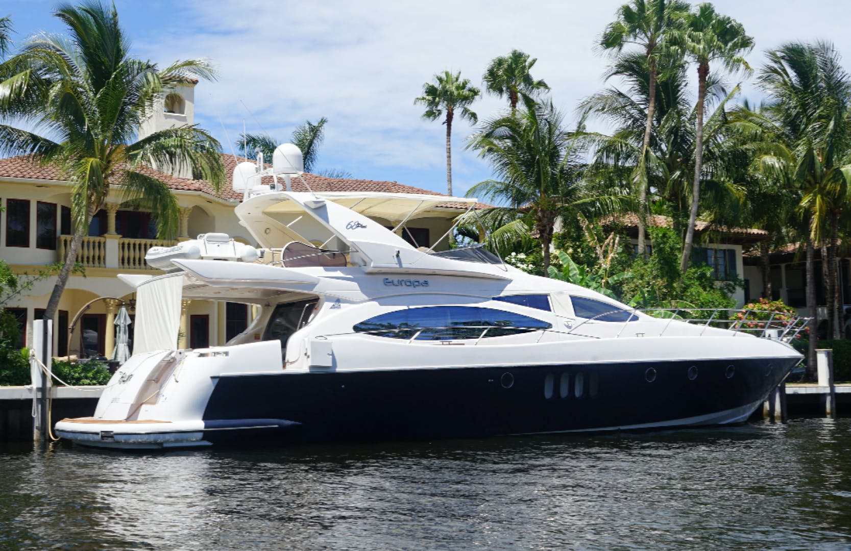 2005 Azimut 68'  EUROPA | Picture 1 of 11