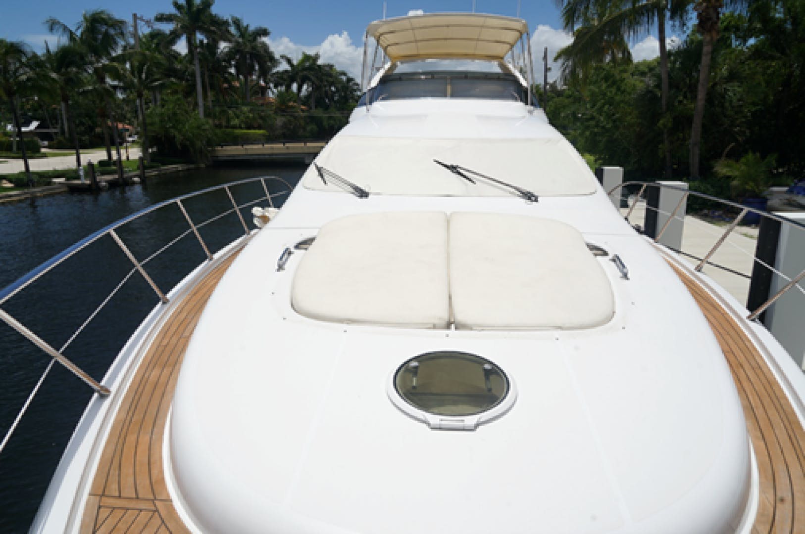 2005 Azimut 68'  EUROPA | Picture 8 of 11