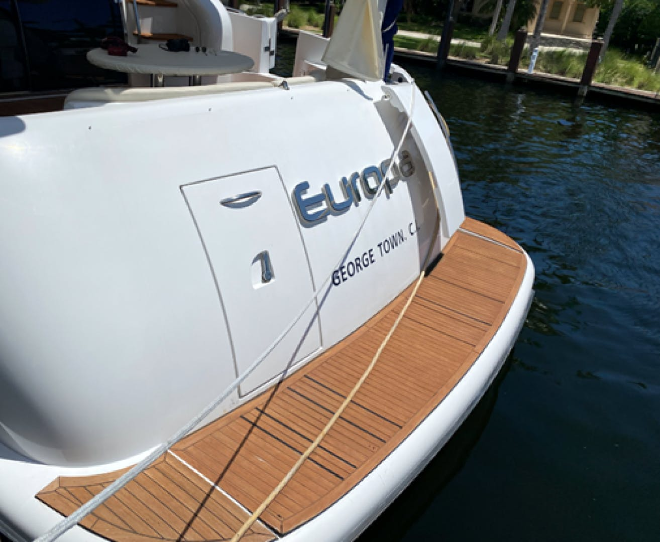2005 Azimut 68'  EUROPA | Picture 2 of 11