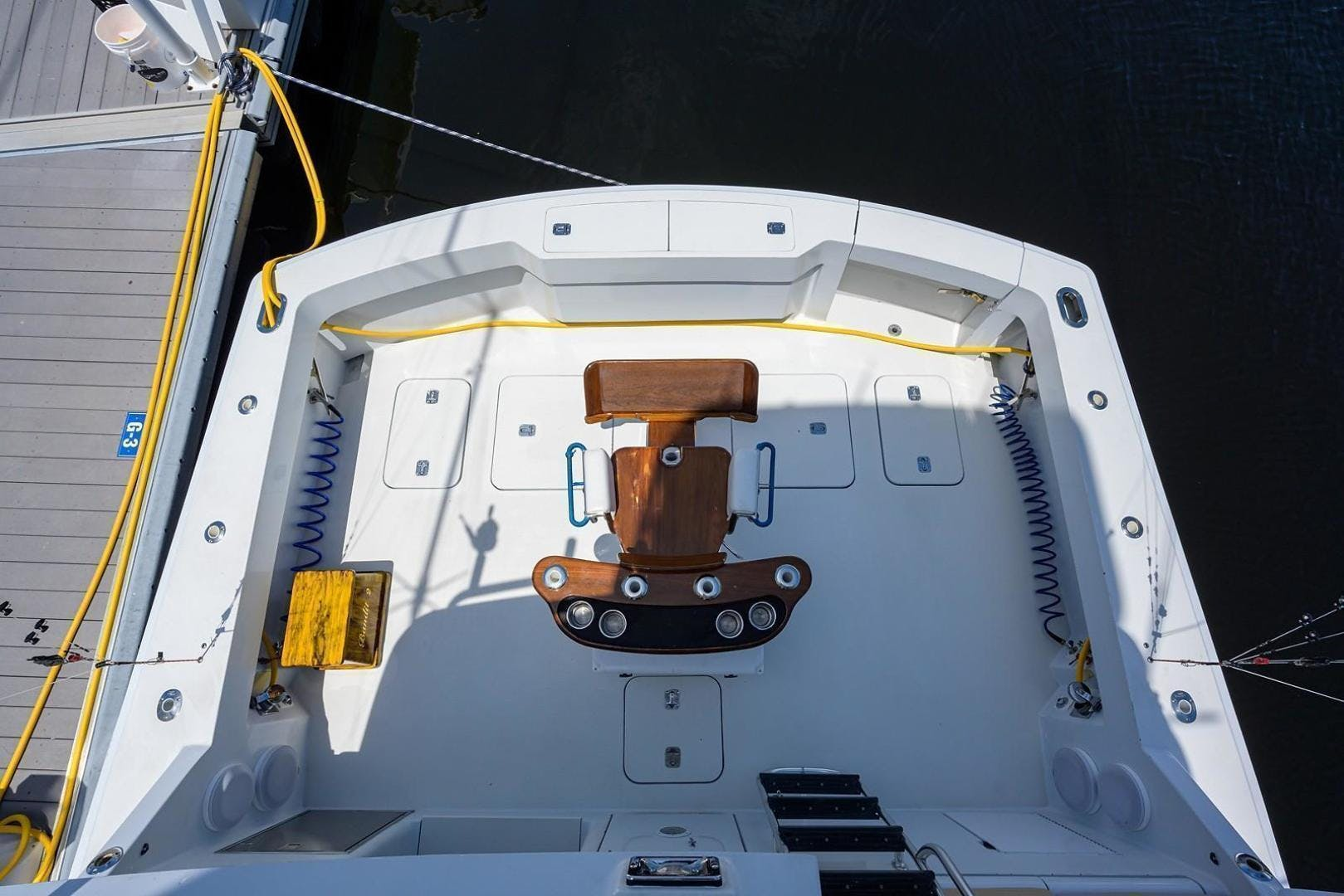 2001 Hatteras 60'  BANDIT 2 | Picture 4 of 37