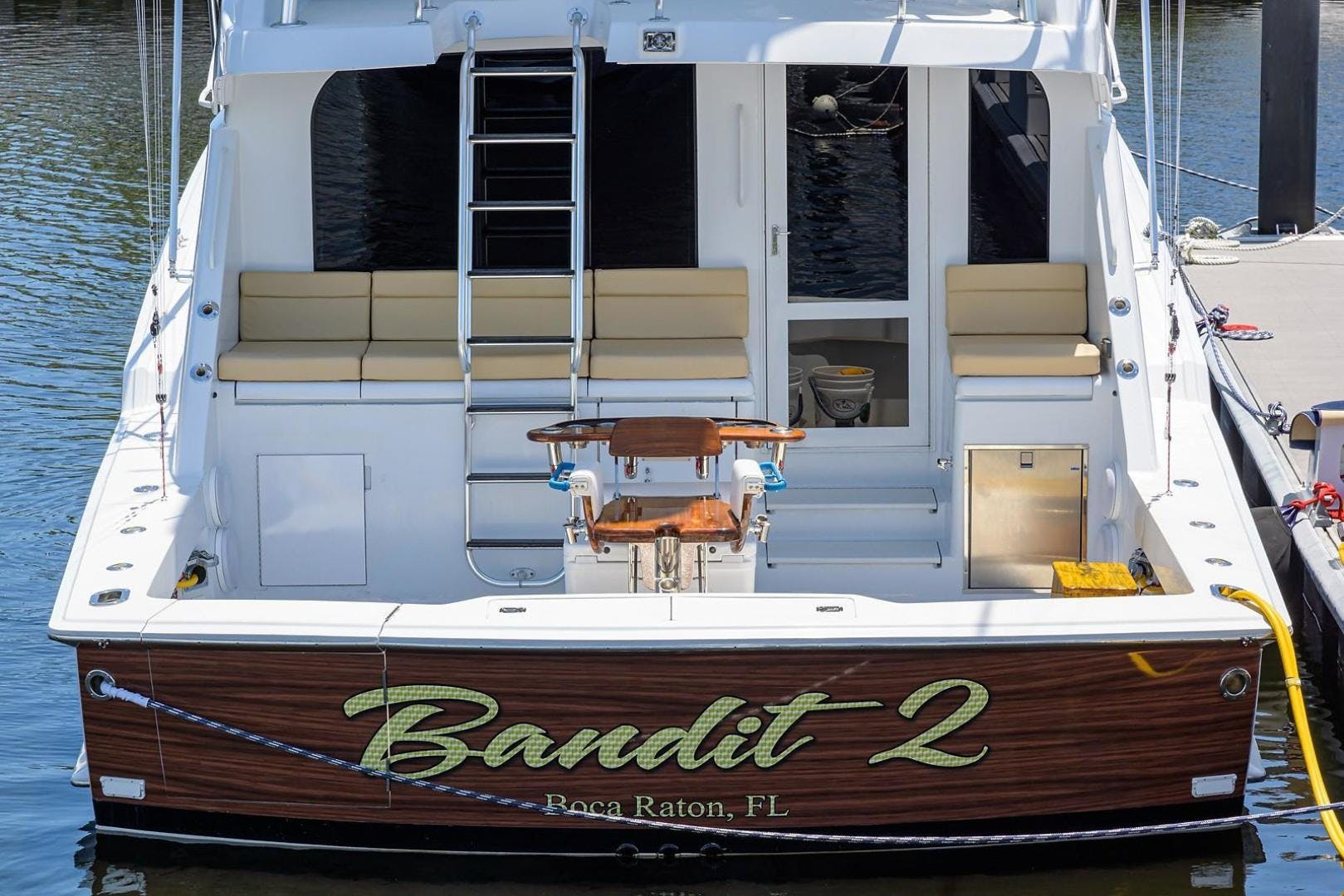 2001 Hatteras 60'  BANDIT 2 | Picture 3 of 37