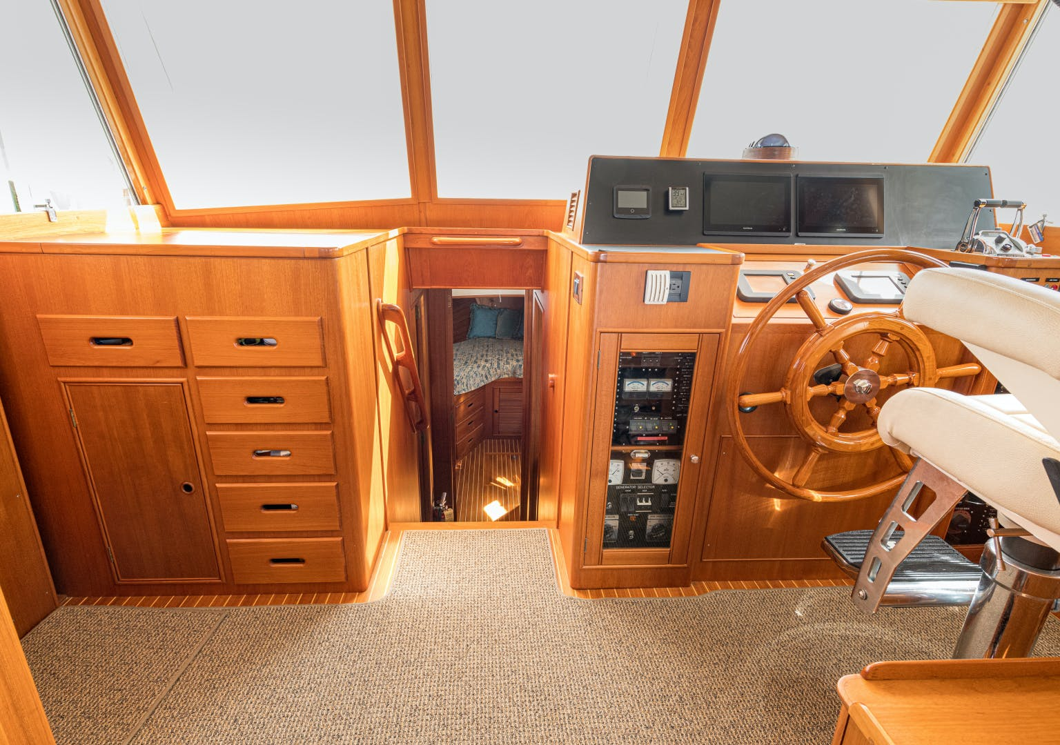 2001 Grand Banks 52' Europa 52 Pour Vous   Picture 2 of 33