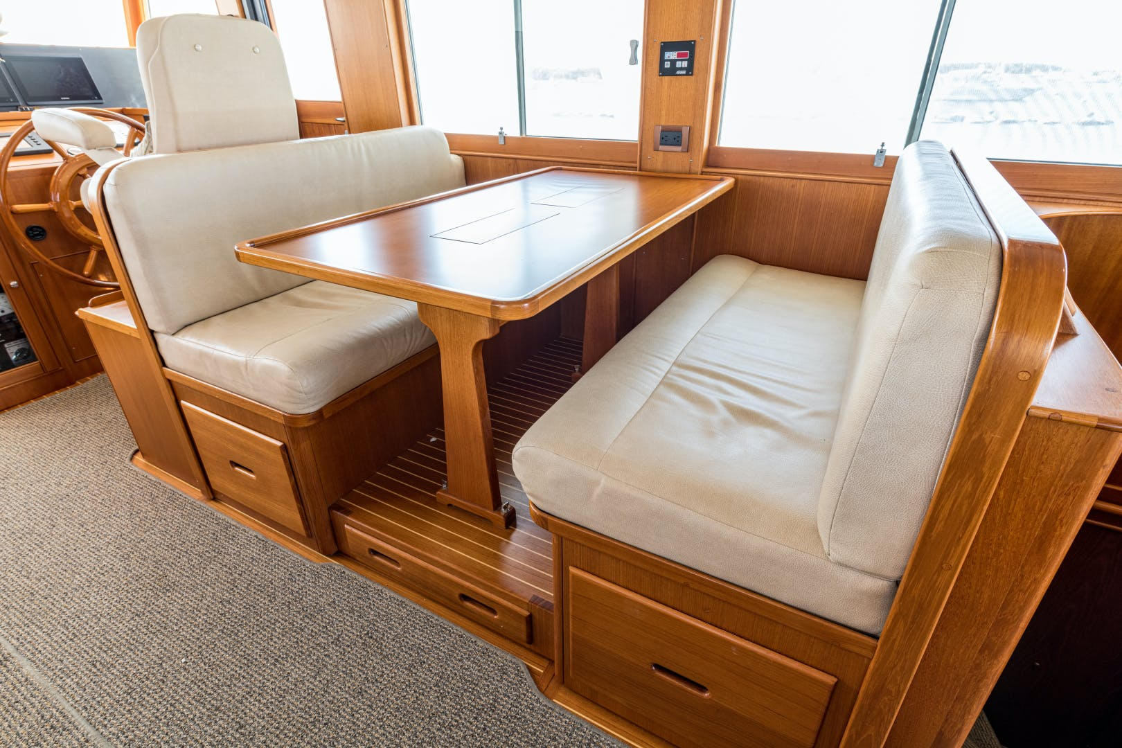 2001 Grand Banks 52' Europa 52 Pour Vous   Picture 6 of 33
