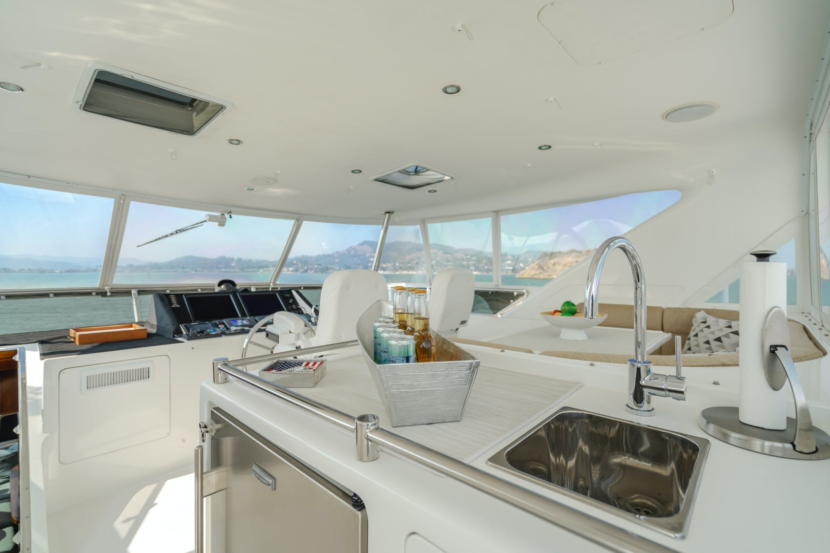2010 Ocean Alexander 68' Pilothouse BIG SKY | Picture 6 of 59