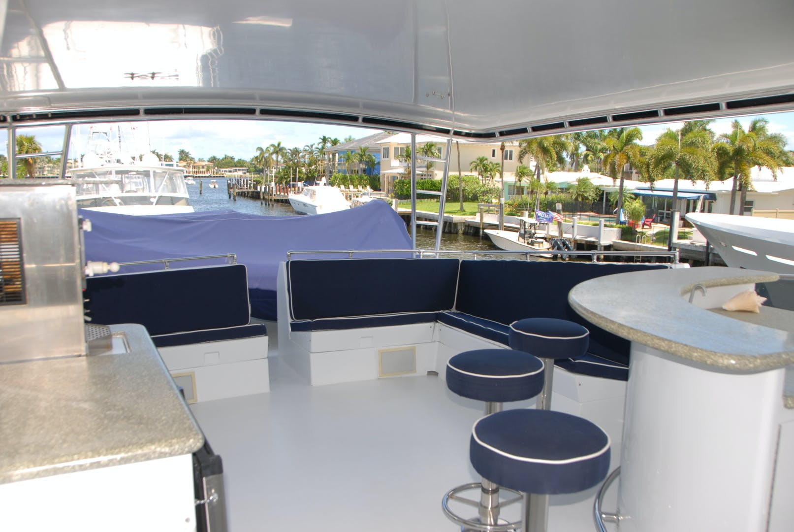 1992 Hatteras 67' Extended Deckhouse Loafers Paradise | Picture 3 of 38