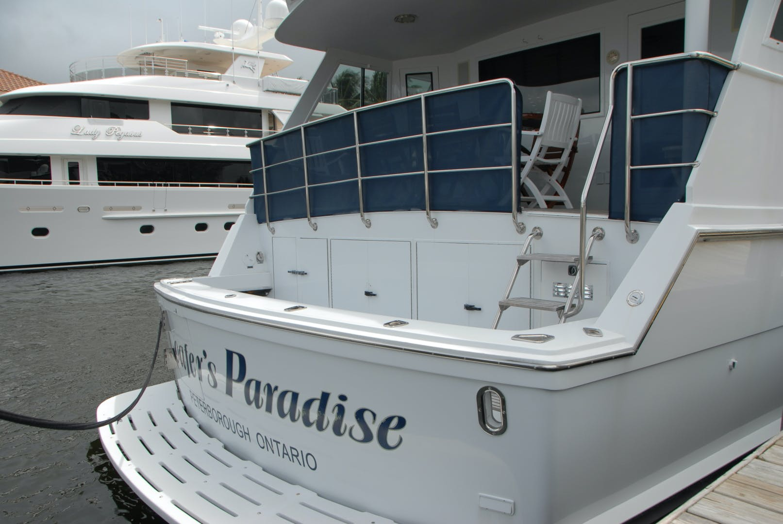 1992 Hatteras 67' Extended Deckhouse Loafers Paradise | Picture 2 of 38