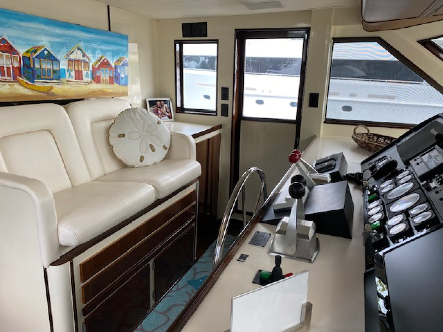 1992 Hatteras 67' Extended Deckhouse Loafers Paradise | Picture 8 of 38