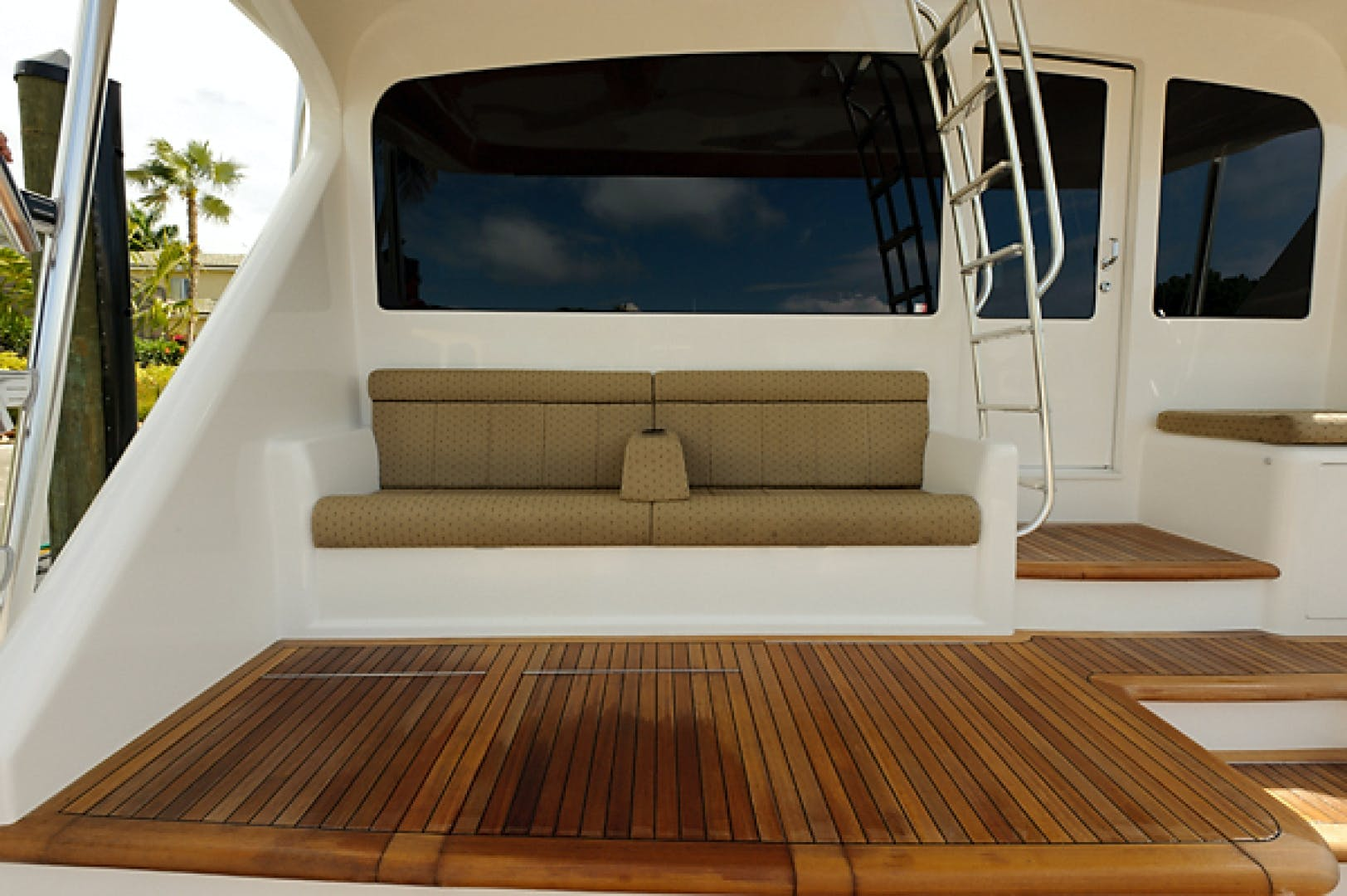 2010 Viking 82' 82 Convertible NINA MARIE | Picture 3 of 40
