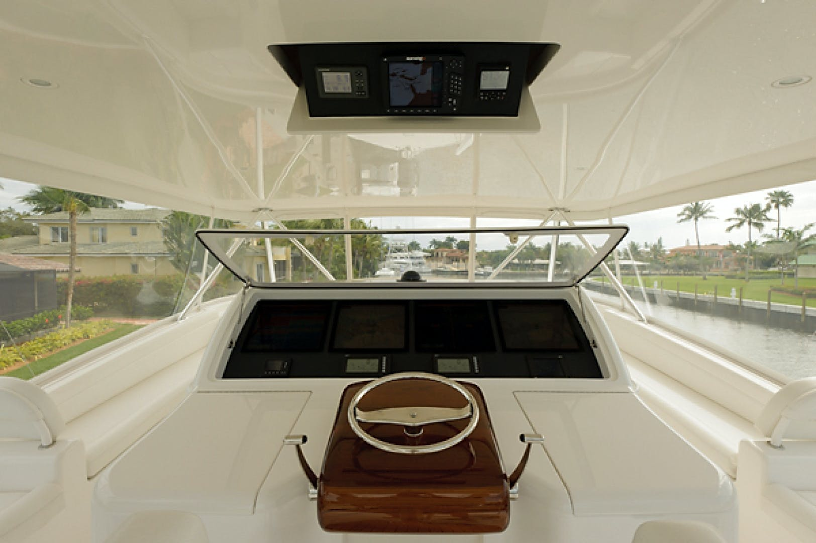 2010 Viking 82' 82 Convertible NINA MARIE | Picture 5 of 40
