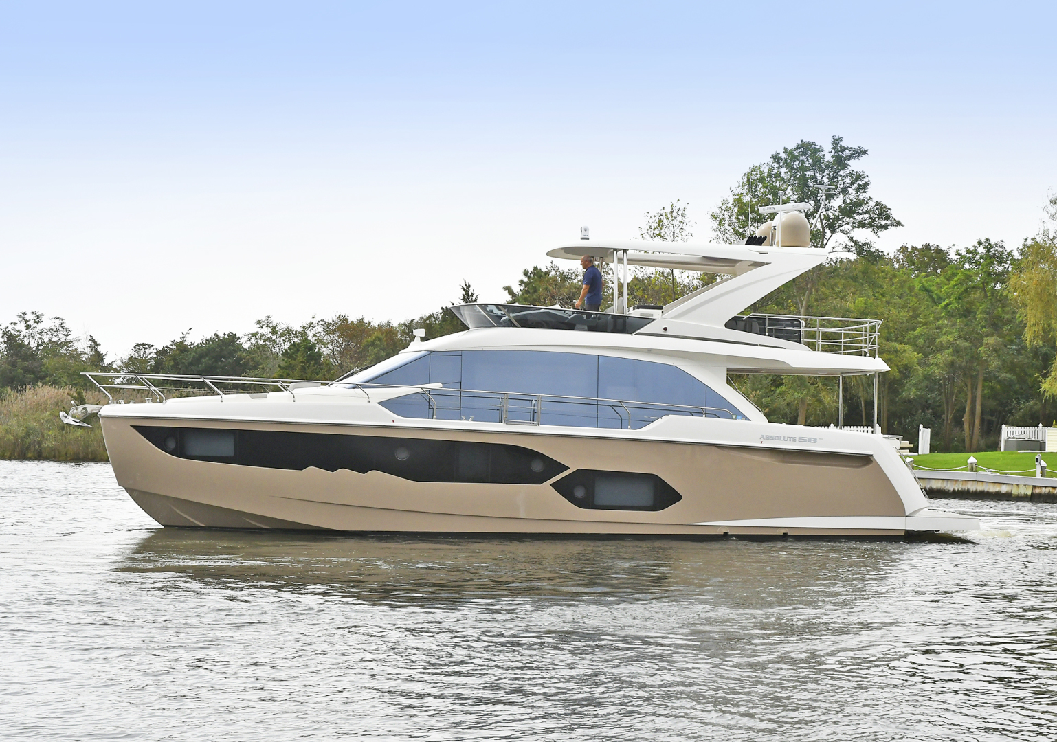 58' Absolute 2019 58 Fly Tre Sea