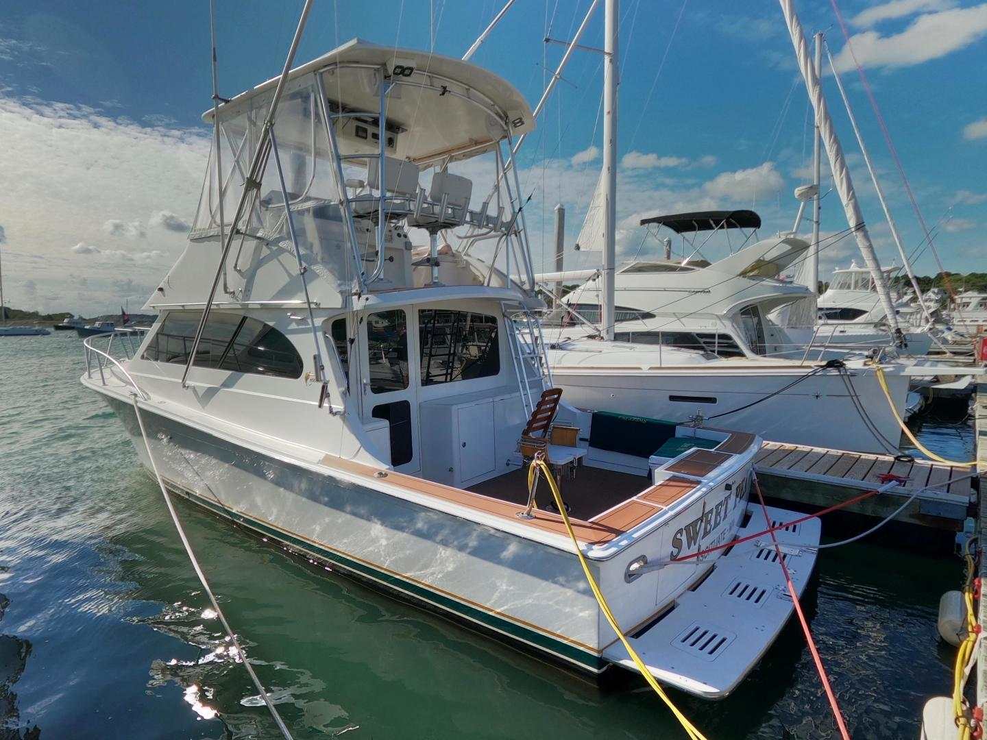 2001 Egg Harbor 37' 37 Sport Yacht