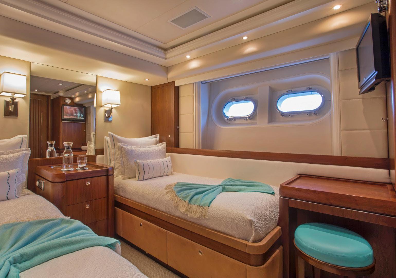 2009 Moonen 98' Flybridge Motor Yacht PURA VIDA | Picture 4 of 52