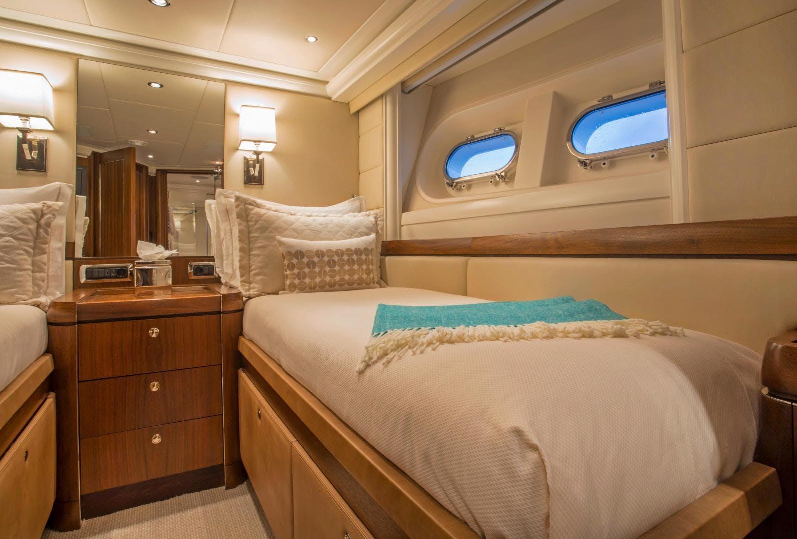 2009 Moonen 98' Flybridge Motor Yacht PURA VIDA | Picture 3 of 52