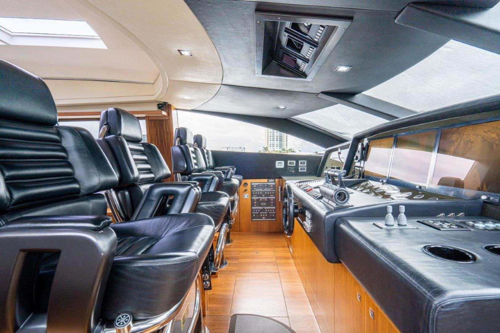 2008 Sunseeker 108' Predator Double D | Picture 6 of 46