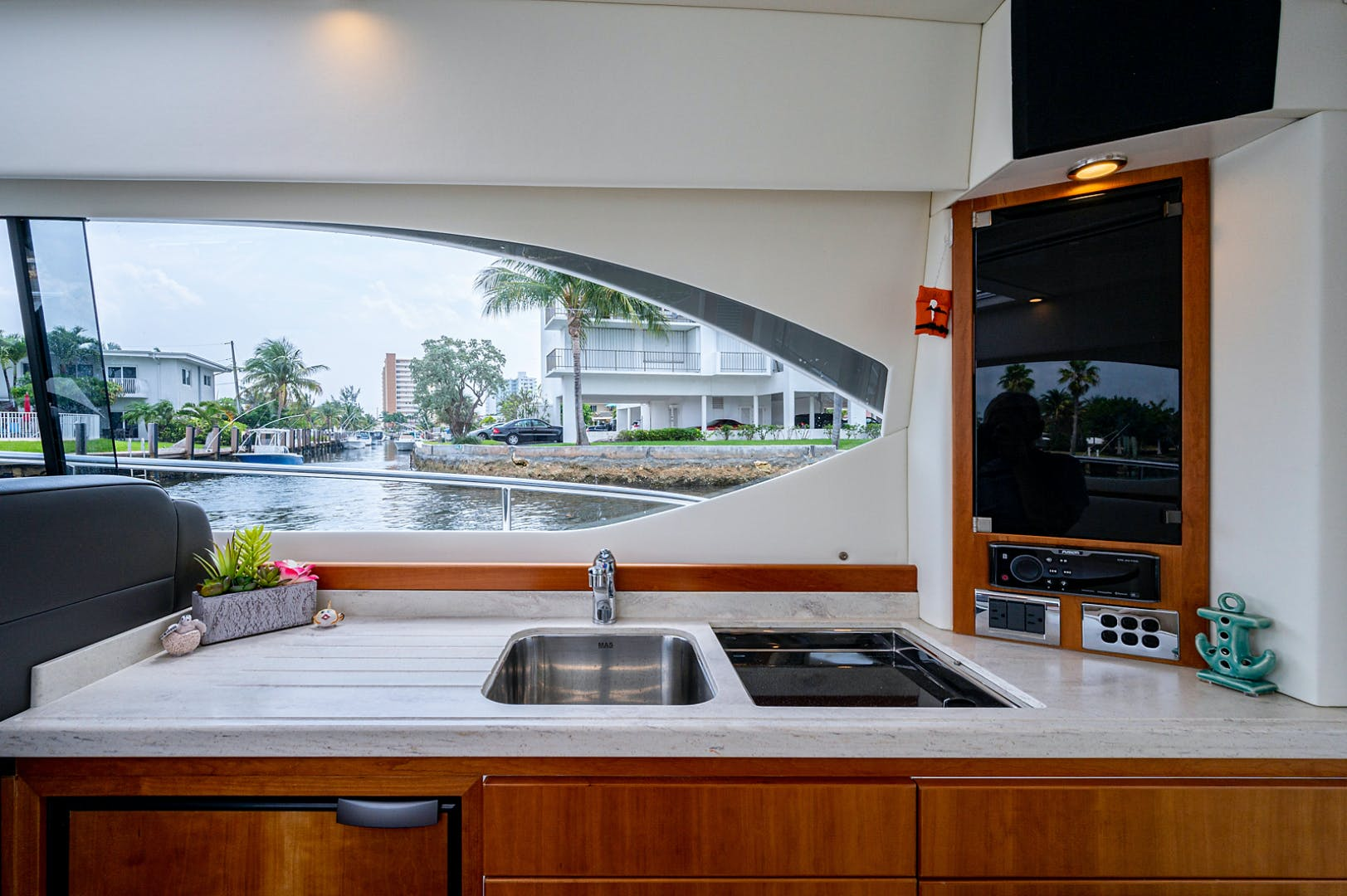2017 Riviera 36' 3600 Sport Yacht  | Picture 6 of 41