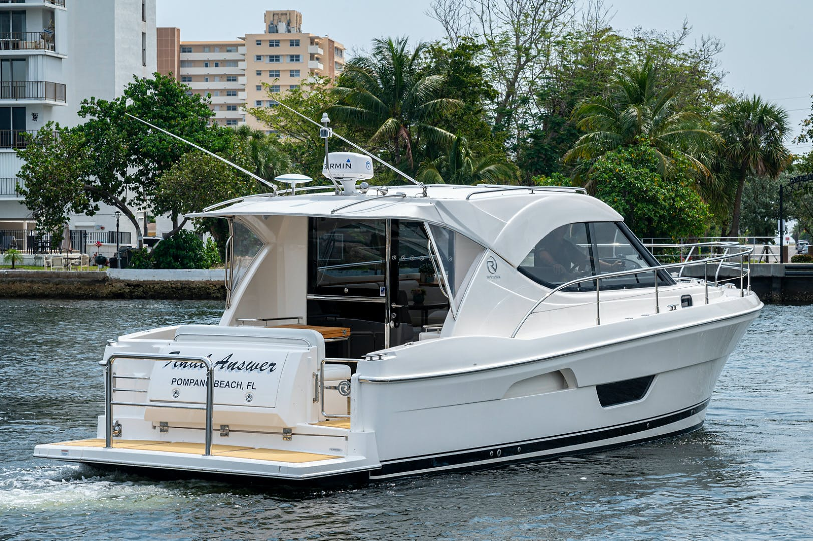2017 Riviera 36' 3600 Sport Yacht  | Picture 4 of 41