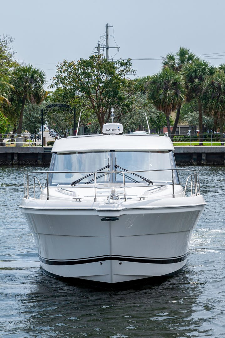 2017 Riviera 36' 3600 Sport Yacht  | Picture 7 of 41