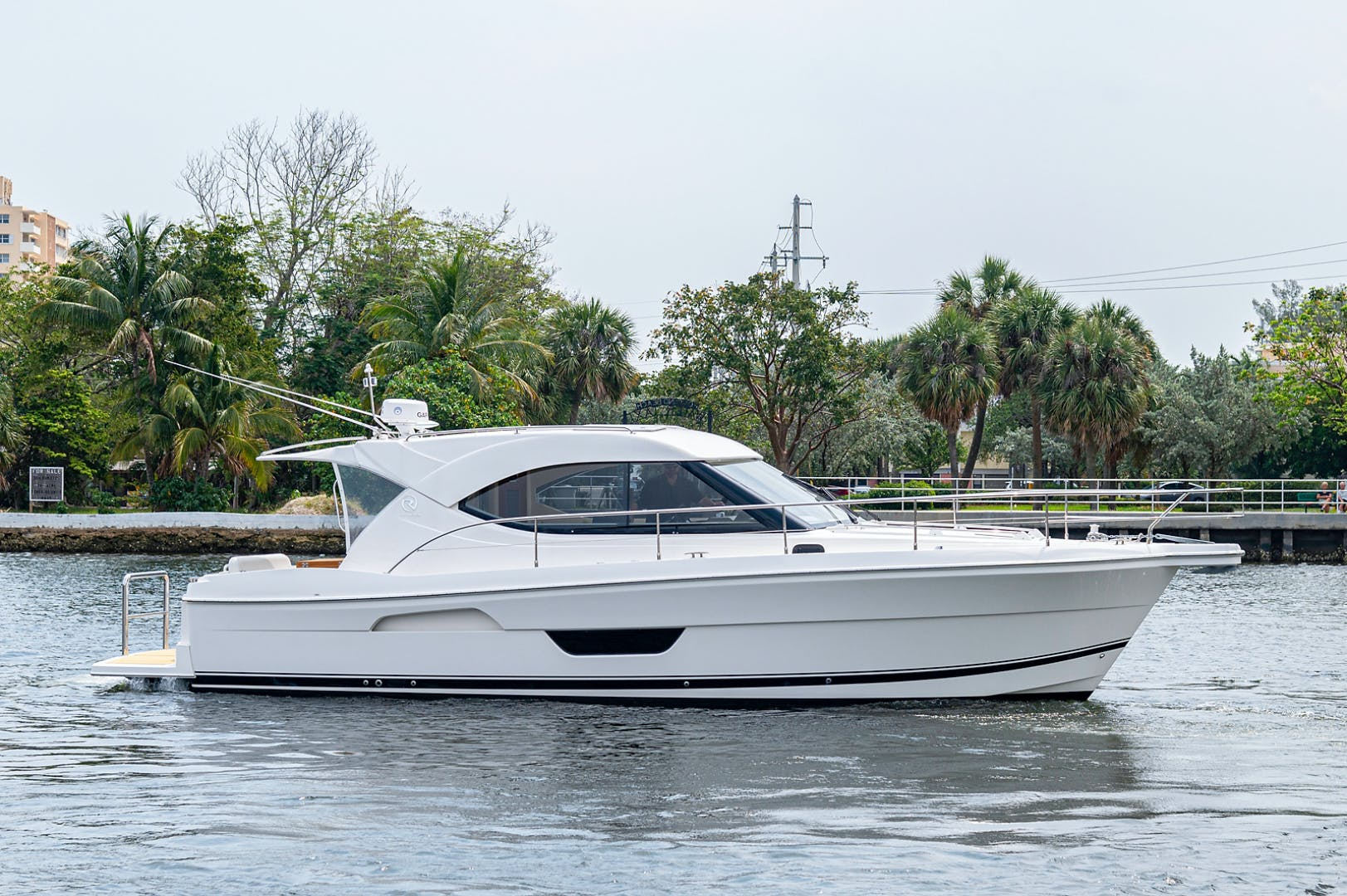 2017 Riviera 36' 3600 Sport Yacht  | Picture 5 of 41