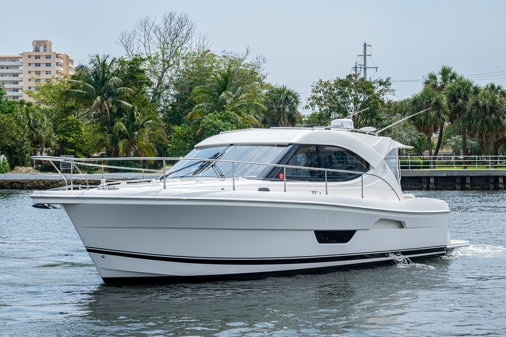 2017 Riviera 36' 3600 Sport Yacht  | Picture 8 of 41