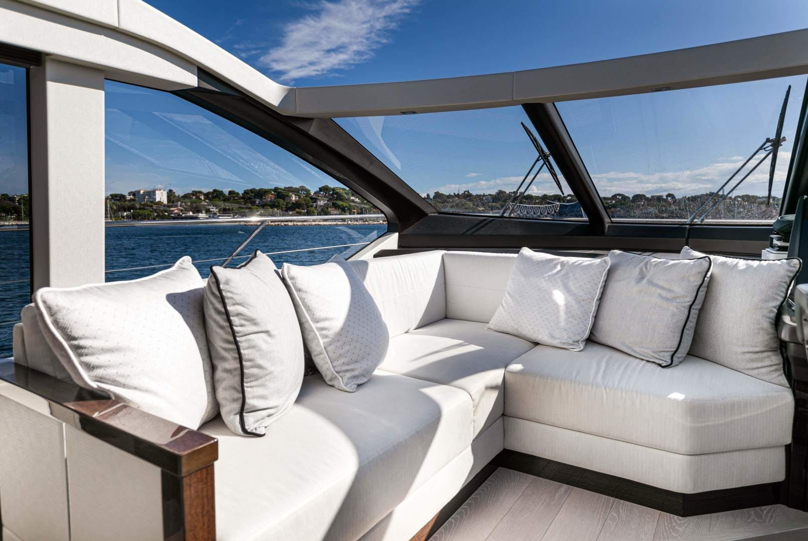 2019 Sunseeker 74'  H | Picture 7 of 31