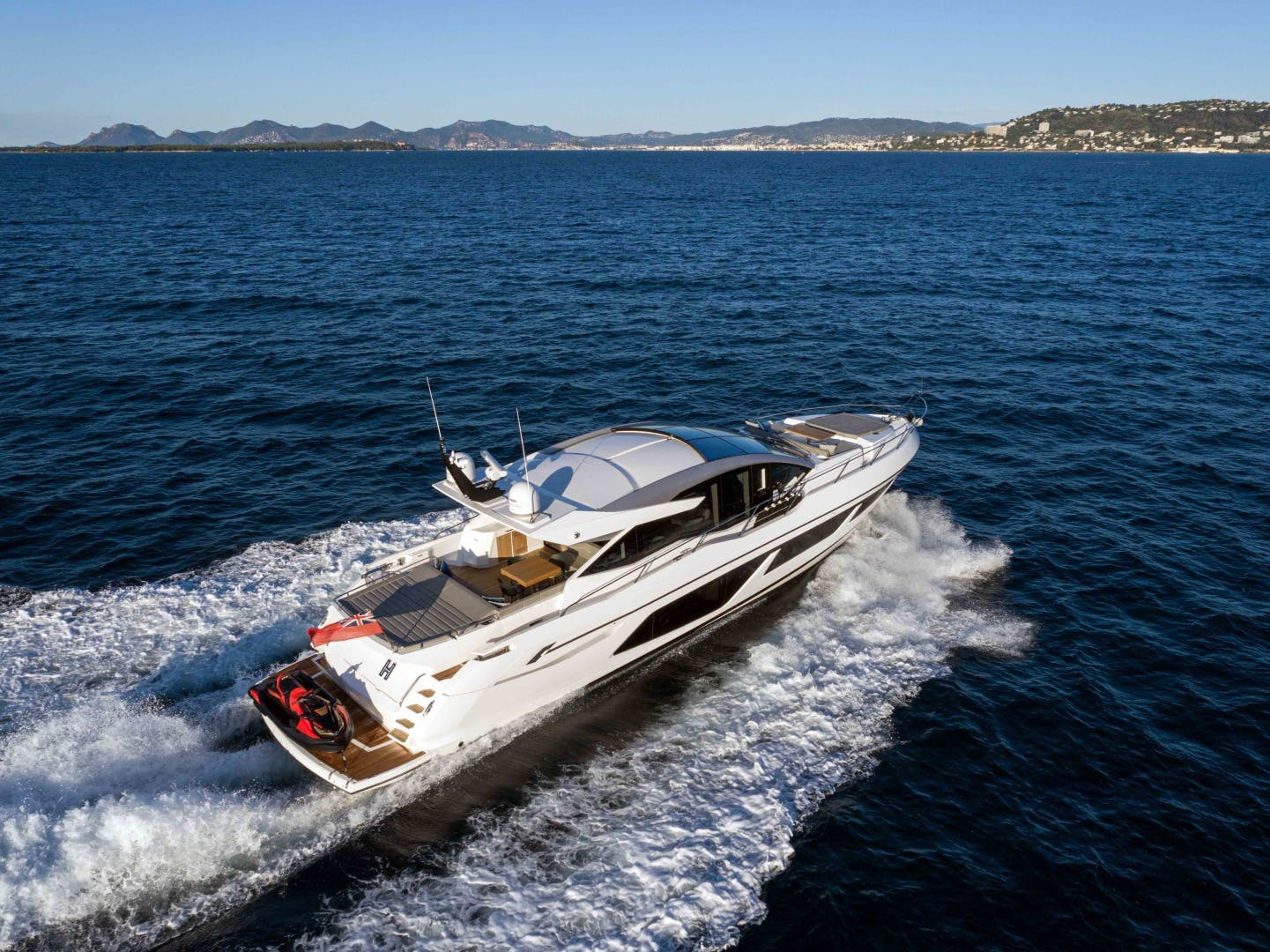 2019 Sunseeker 74'  H | Picture 2 of 31
