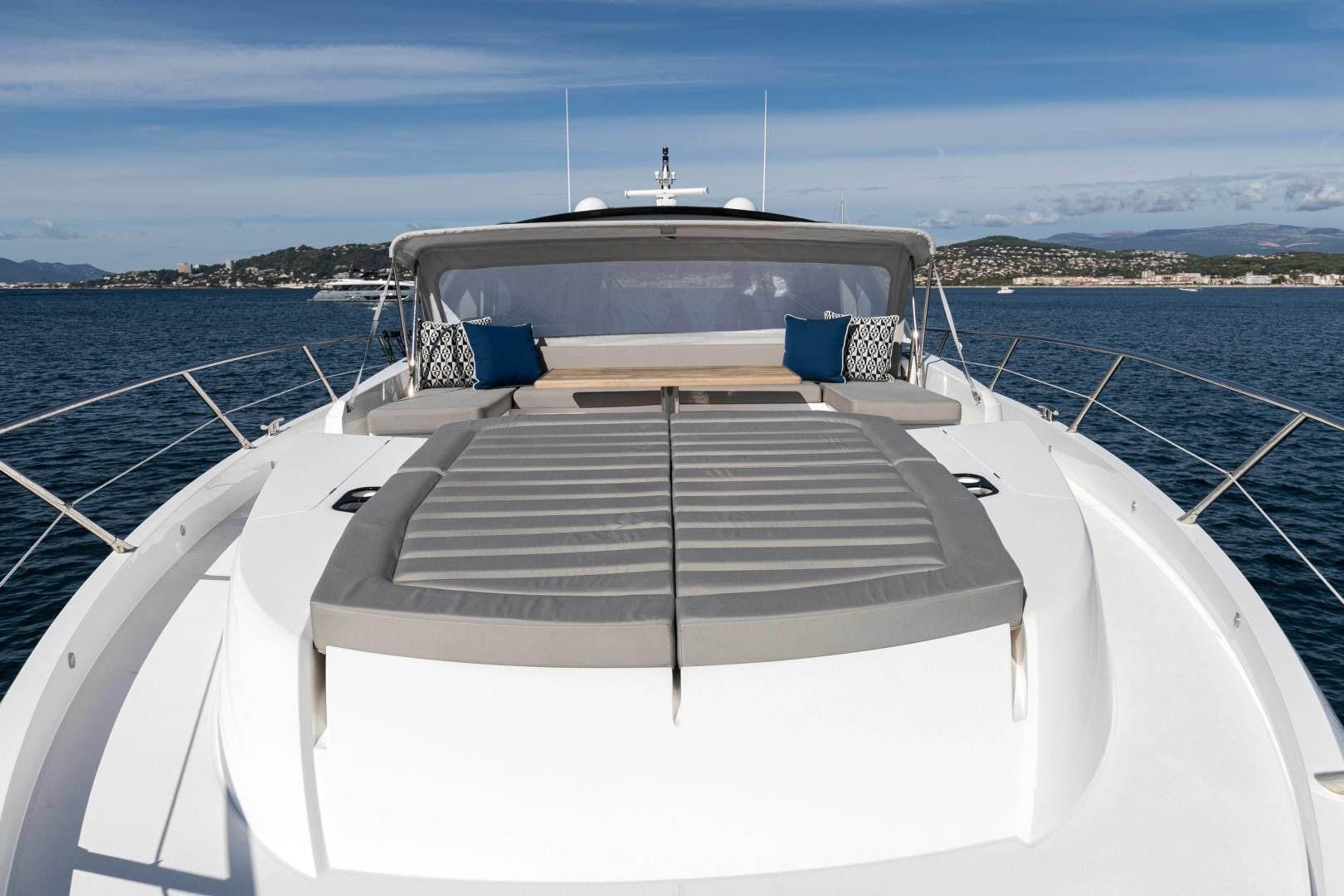 2019 Sunseeker 74'  H | Picture 3 of 31