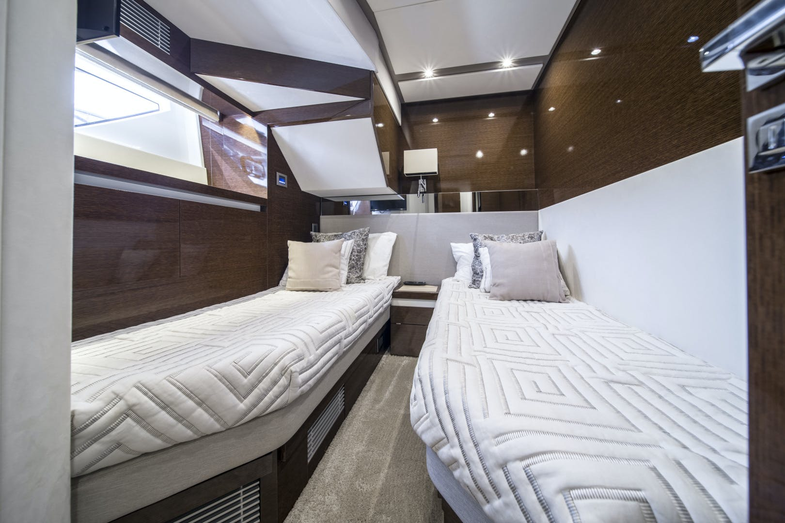 2018 Prestige 68' 680 Flybridge Seduction | Picture 1 of 82