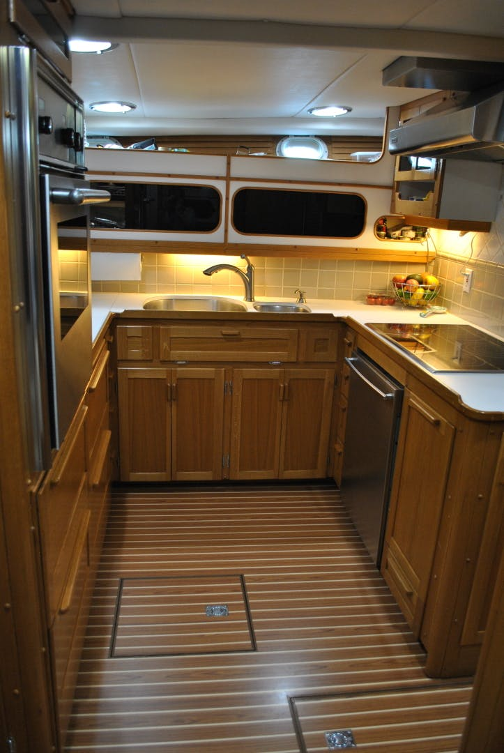 1963 Trumpy 84' Classic WISHING STAR | Picture 7 of 23
