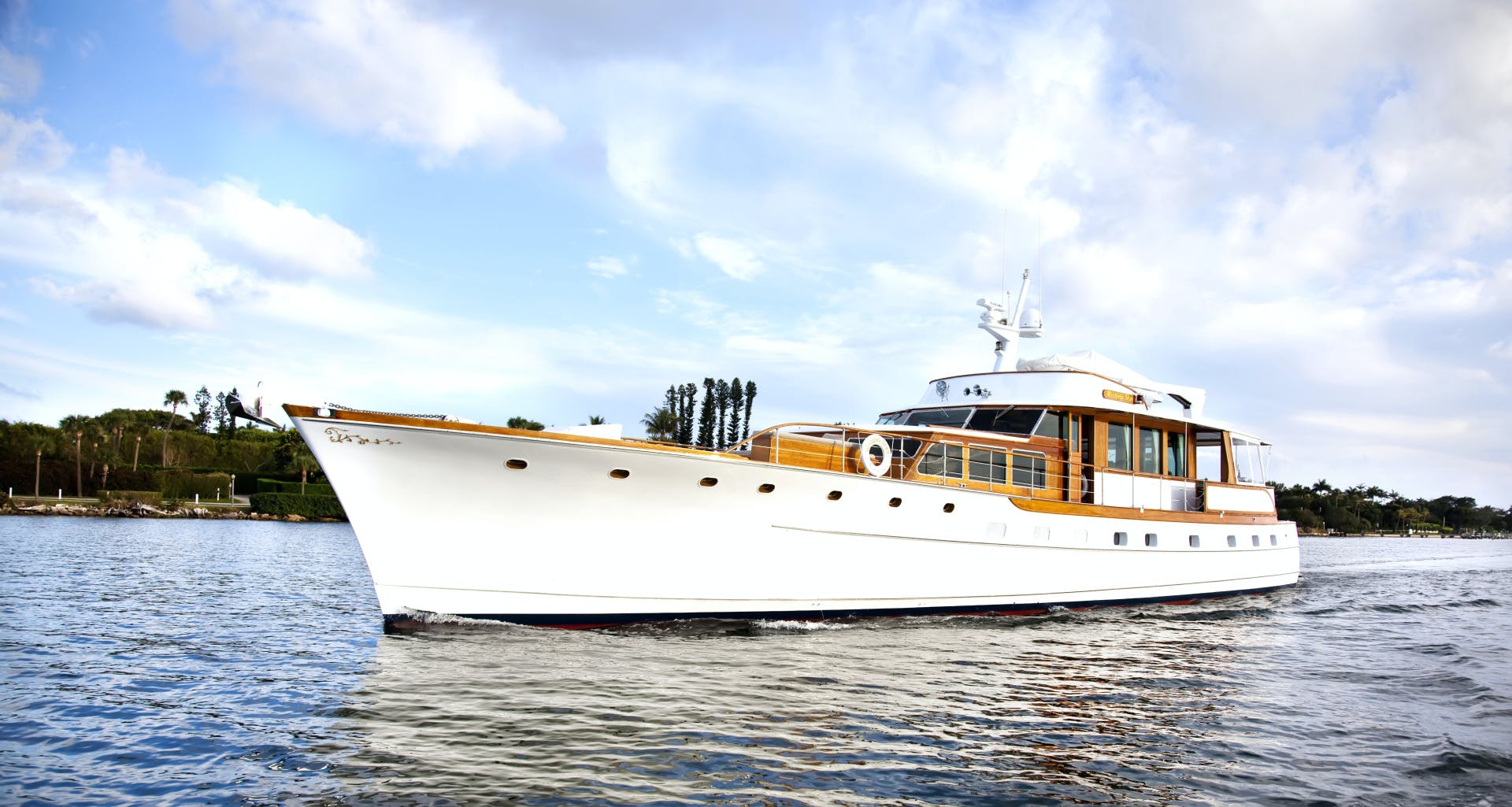 1963 Trumpy 84' Classic WISHING STAR | Picture 4 of 23