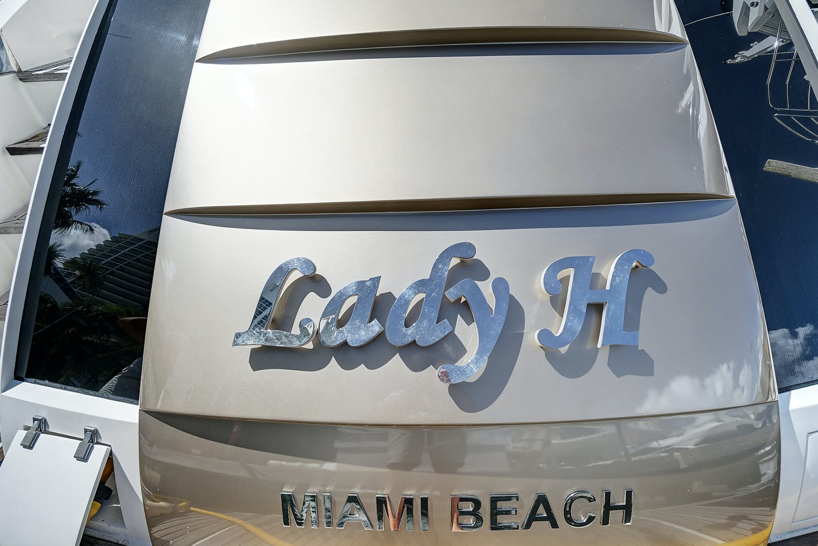 2007 Lazzara 75' LSX Lady H | Picture 1 of 37
