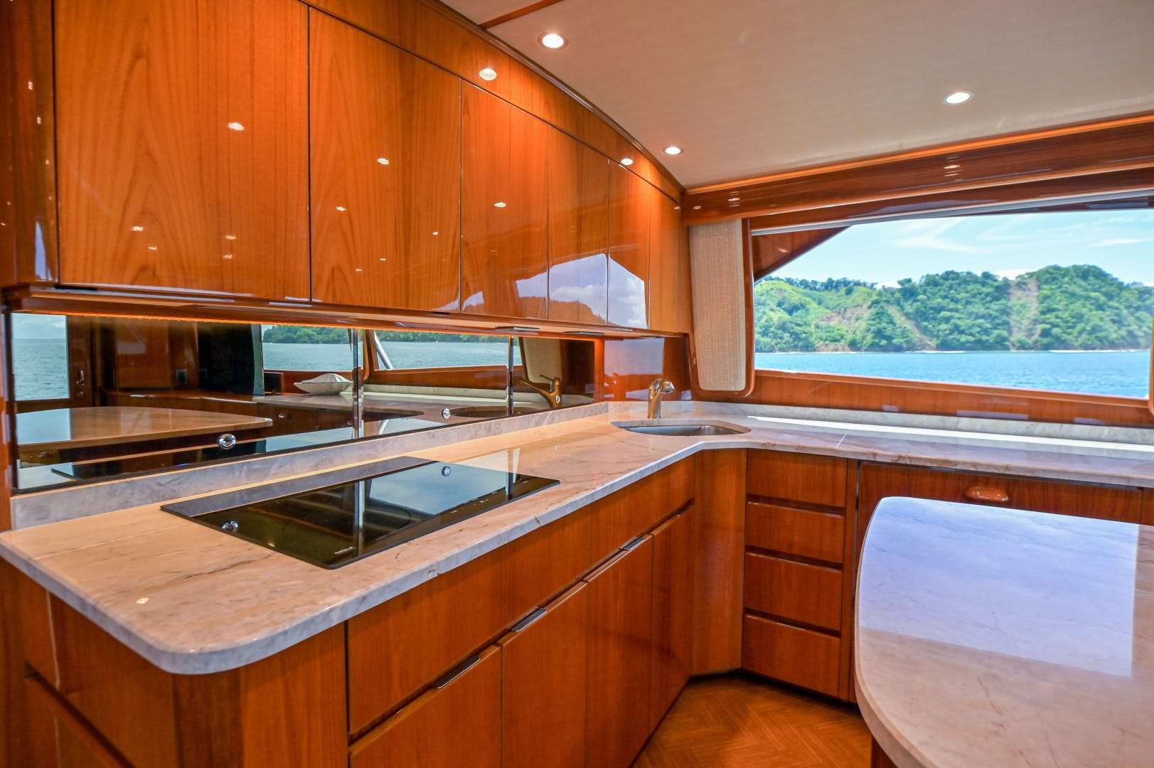 2015 Viking 62' 62 Convertible HT Hook | Picture 8 of 80