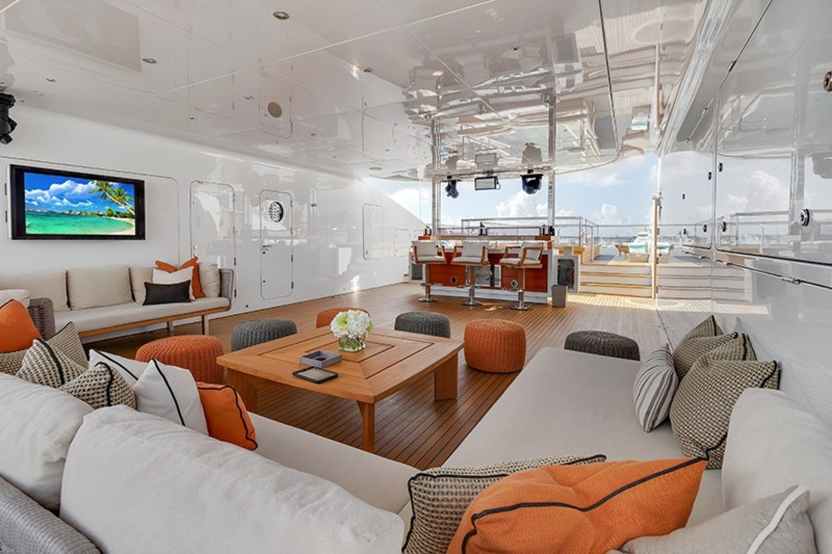 2012 Turquoise 238'  QUANTUM OF SOLACE | Picture 7 of 54