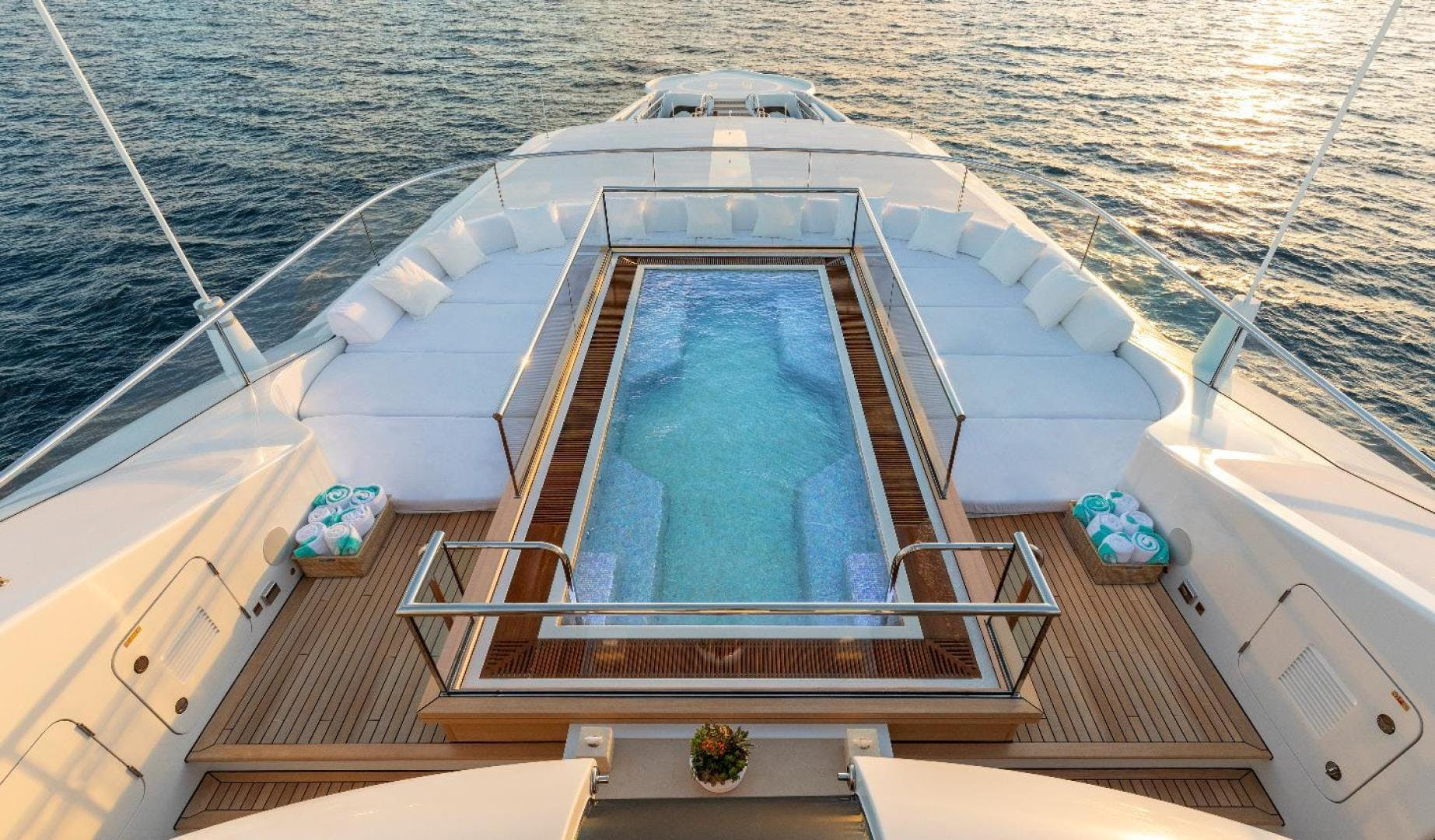 2012 Turquoise 238'  QUANTUM OF SOLACE | Picture 3 of 54