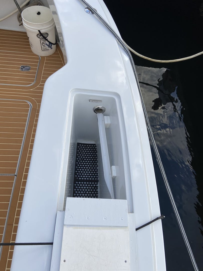 2002 Hatteras 60'   | Picture 7 of 36