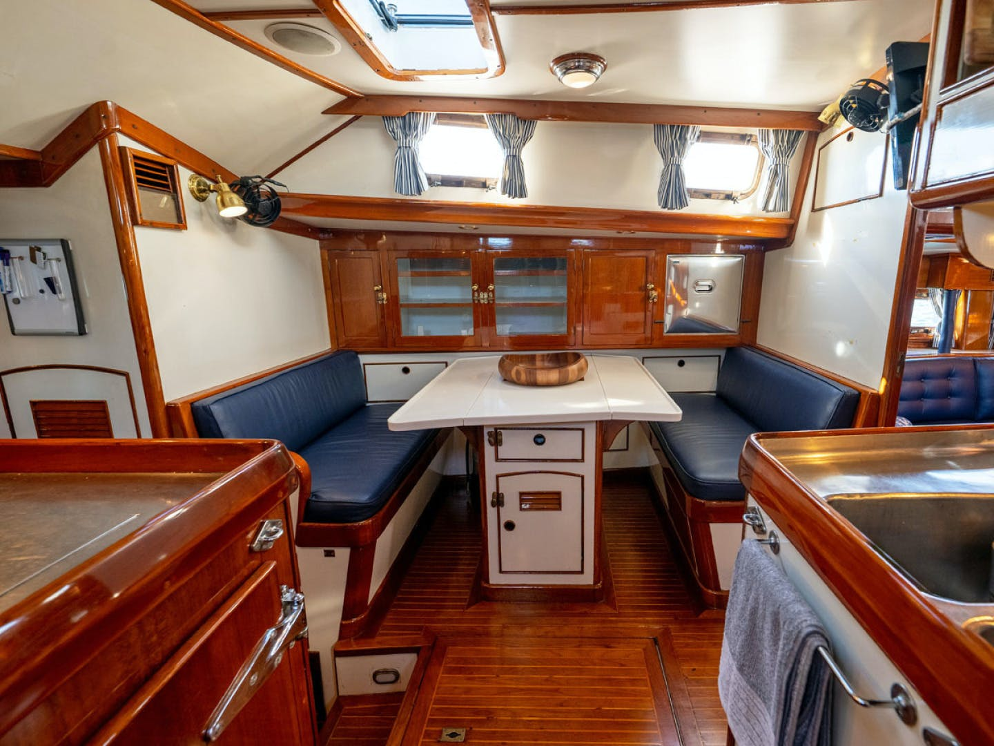1984 Little Harbor 78' 78 HERMIE LOUISE | Picture 2 of 37