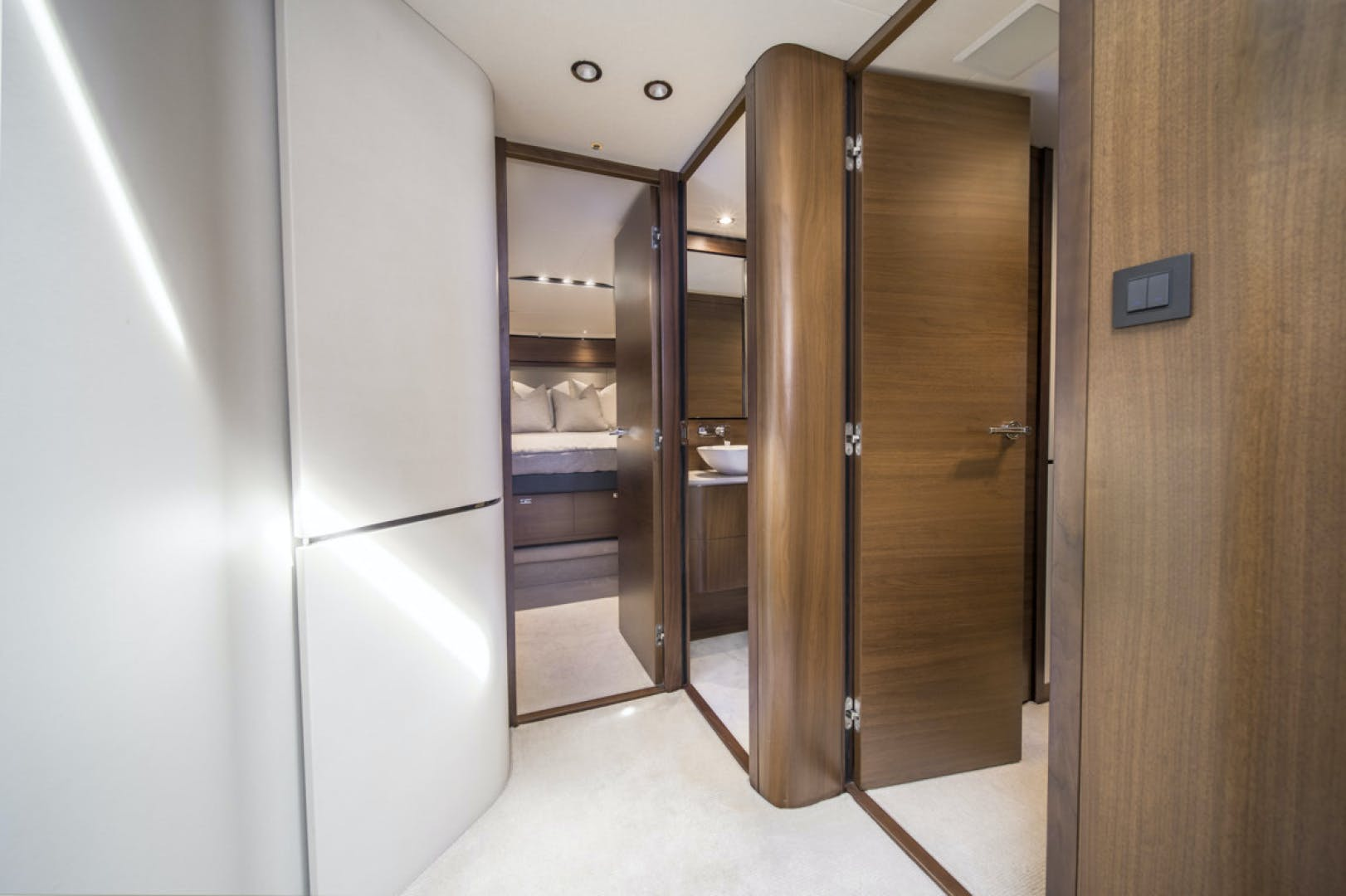 2019 Princess 65' S65 Paragon | Picture 5 of 81