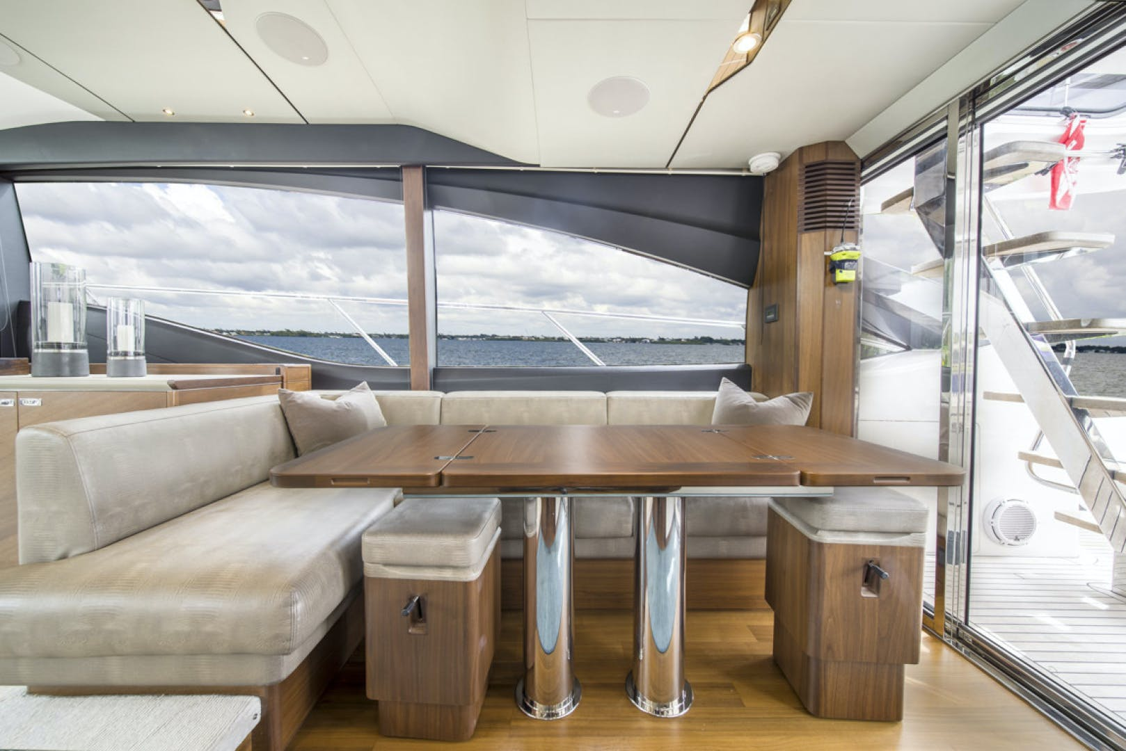 2019 Princess 65' S65 Paragon | Picture 7 of 81