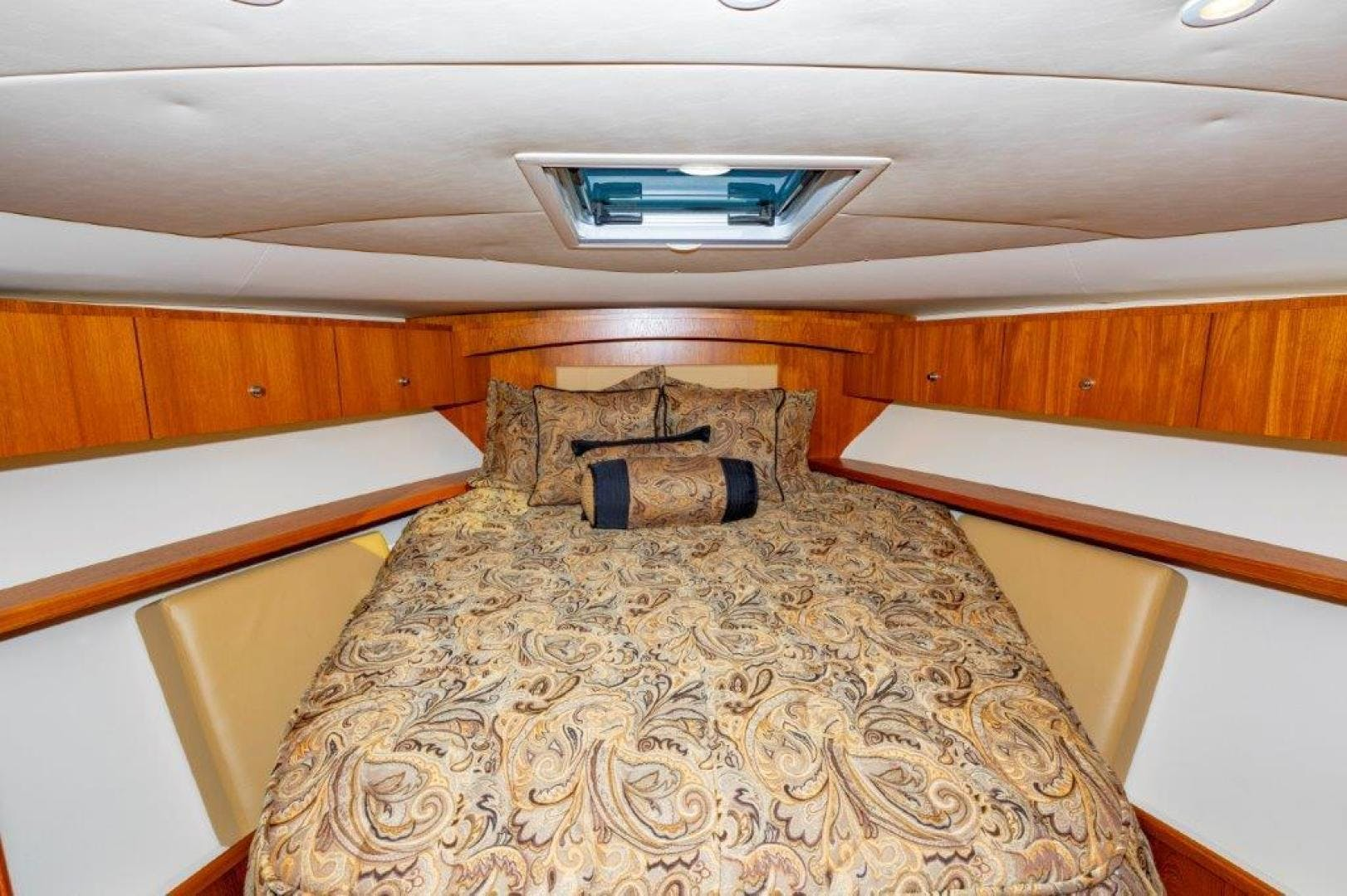 2013 Tiara Yachts 39' Convertible ALLIE CAT | Picture 6 of 50