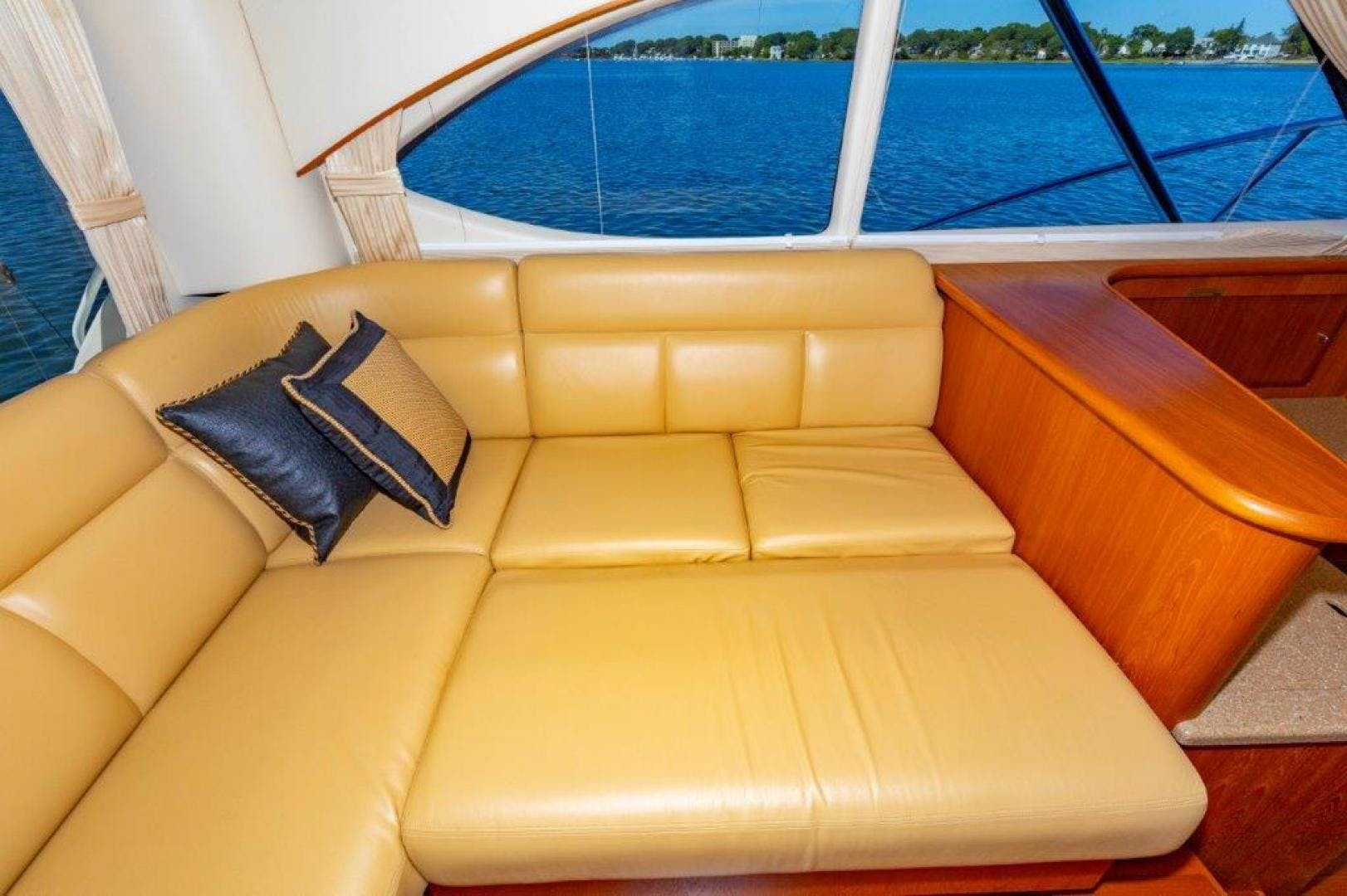 2013 Tiara Yachts 39' Convertible ALLIE CAT | Picture 5 of 50