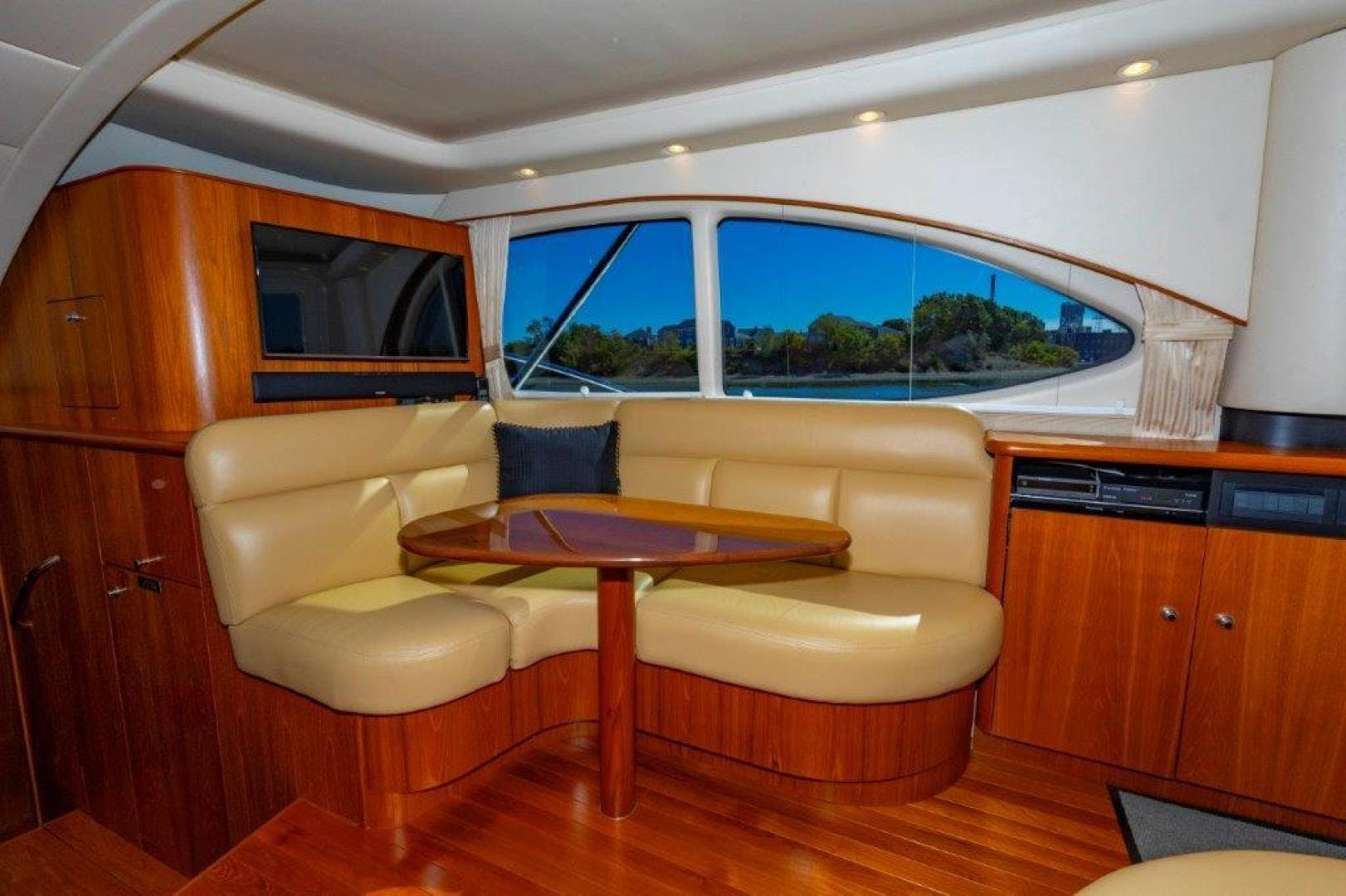 2013 Tiara Yachts 39' Convertible ALLIE CAT   Picture 7 of 50