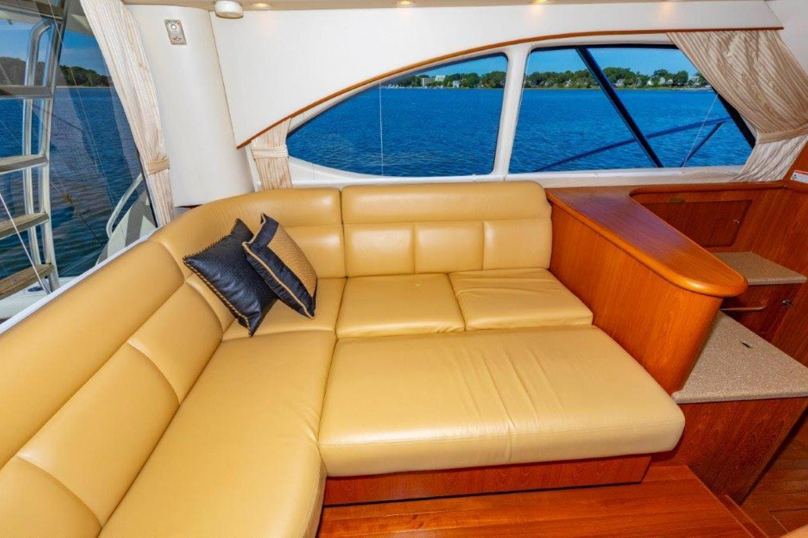 2013 Tiara Yachts 39' Convertible ALLIE CAT   Picture 4 of 50