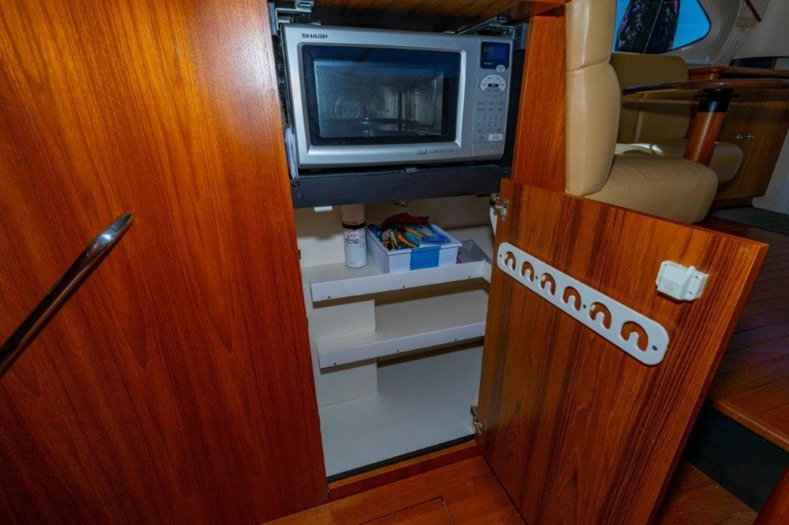 2013 Tiara Yachts 39' Convertible ALLIE CAT   Picture 2 of 50