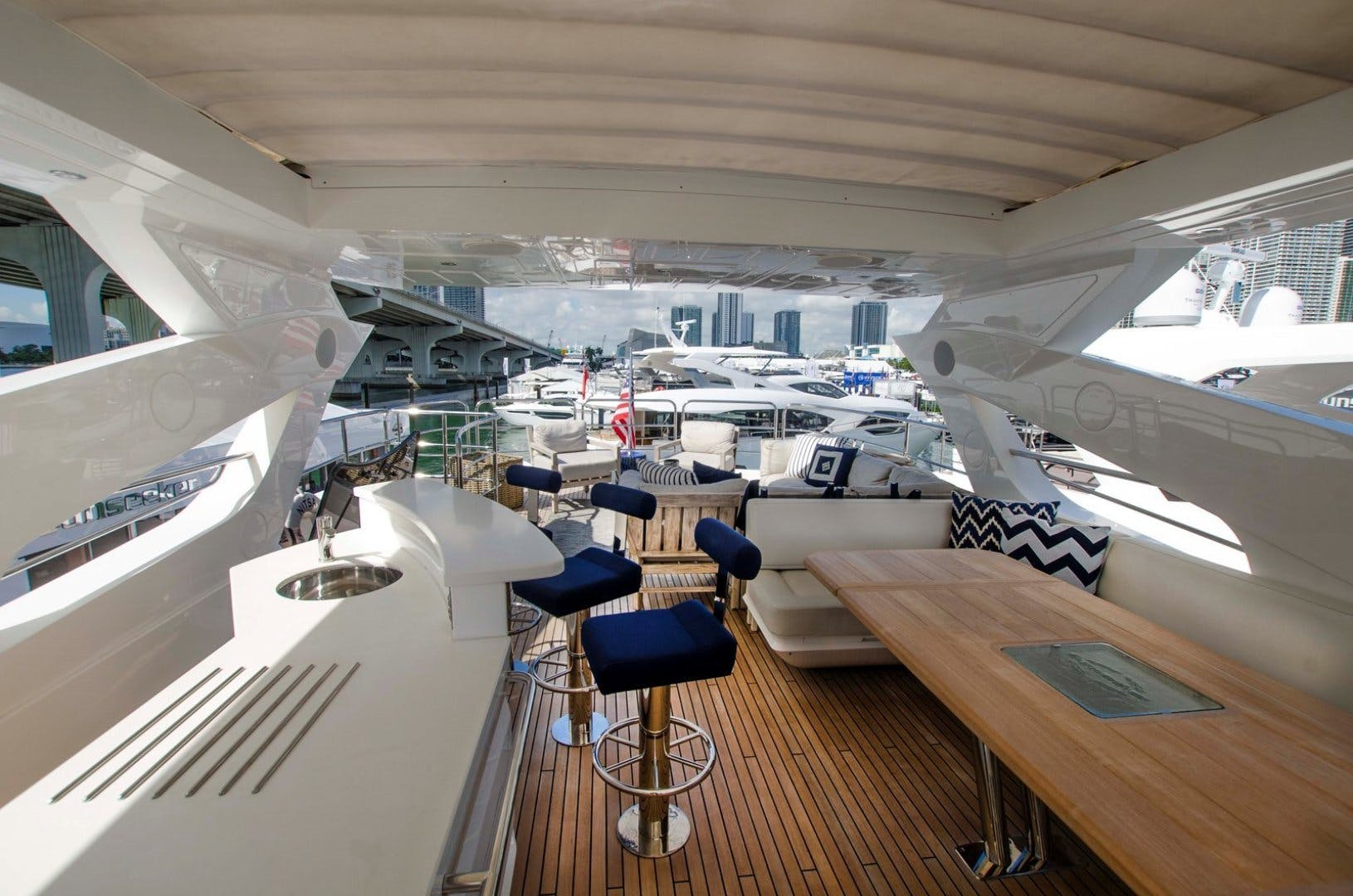 2017 Sunseeker 92' YACHT 95  | Picture 7 of 27