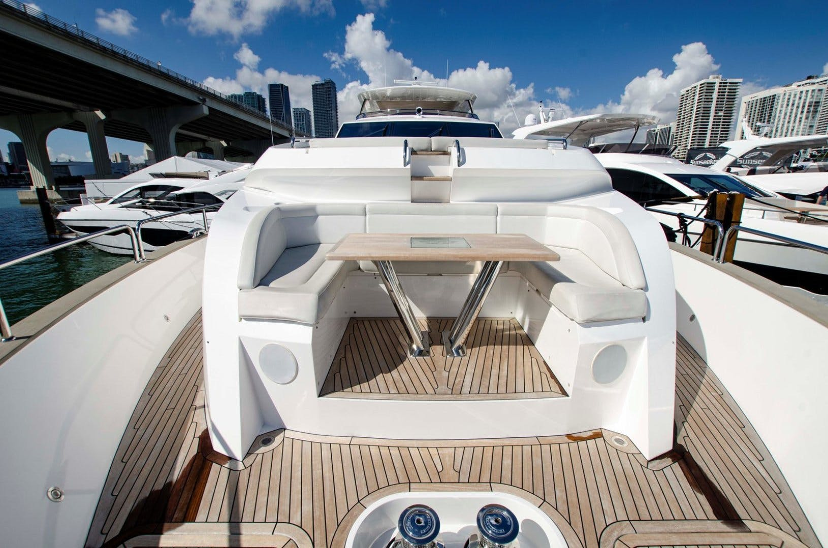 2017 Sunseeker 92' YACHT 95  | Picture 4 of 27