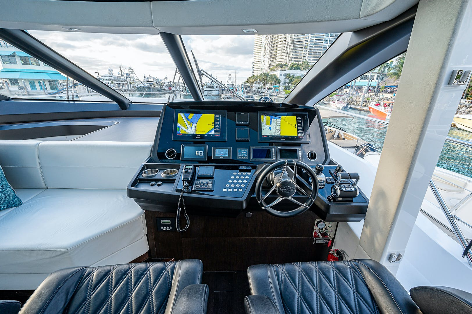 2019 Sunseeker 74' PREDATOR 74  | Picture 2 of 53