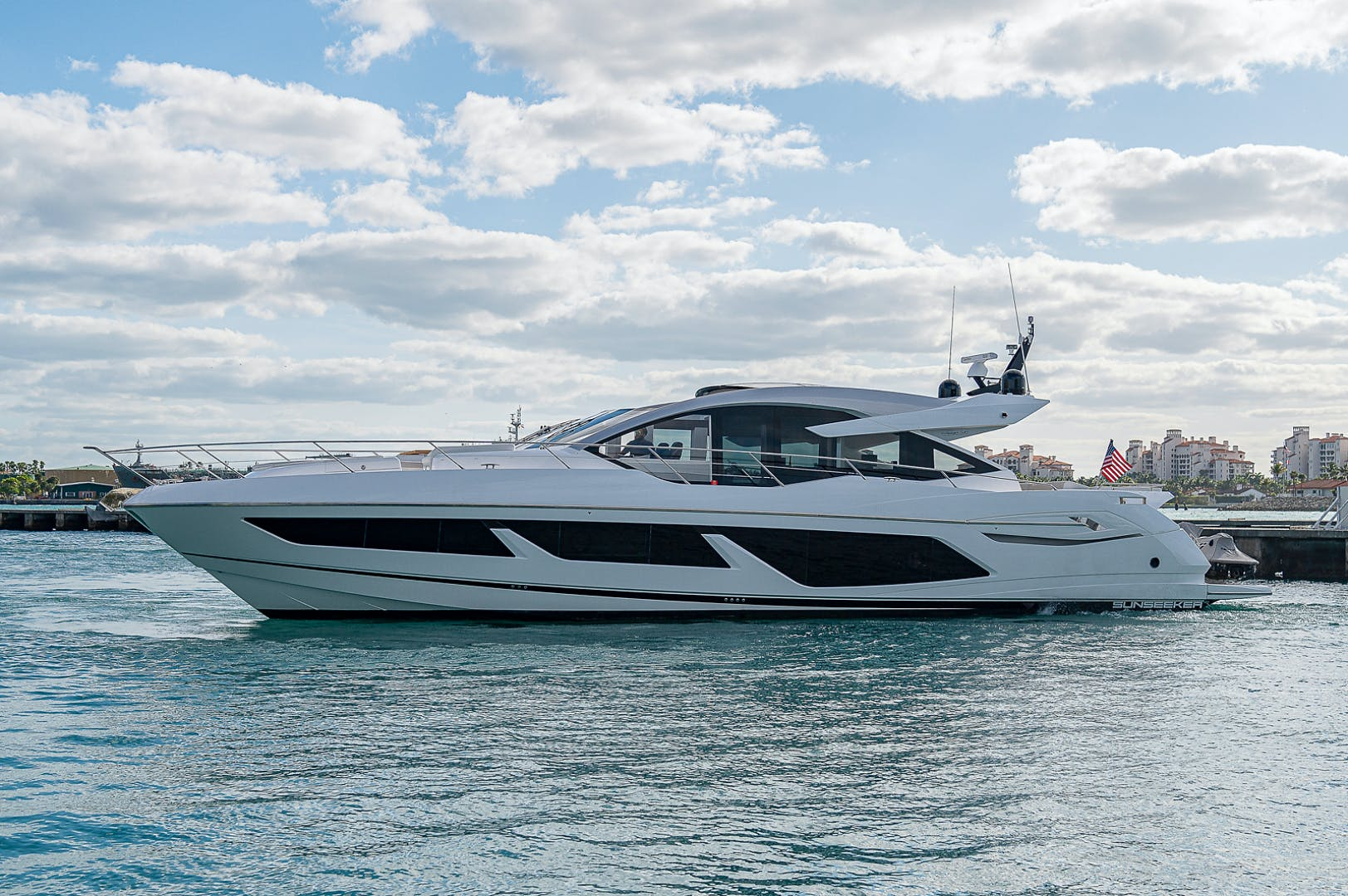 2019 Sunseeker 74' PREDATOR 74  | Picture 8 of 53