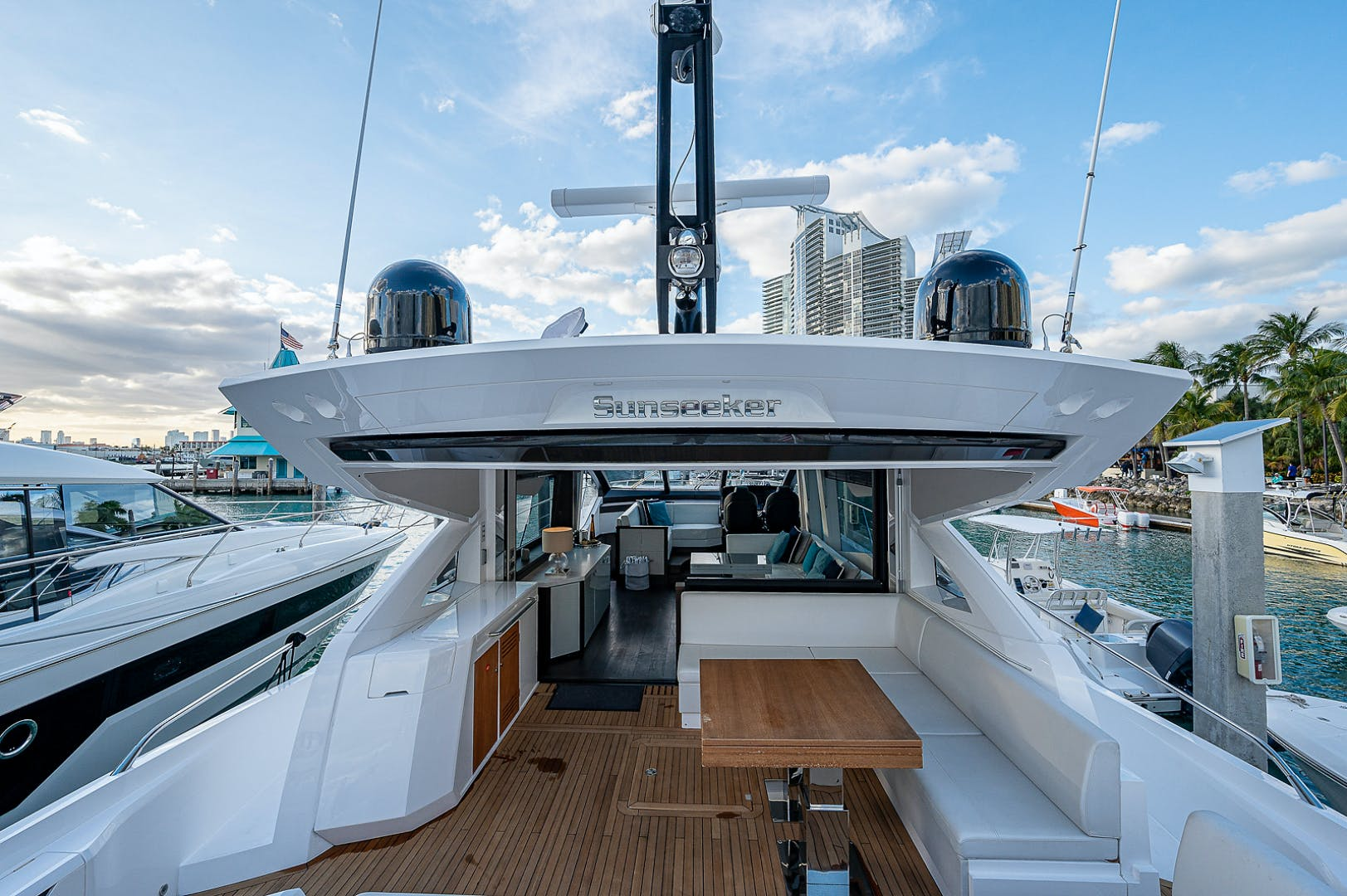 2019 Sunseeker 74' PREDATOR 74  | Picture 6 of 53