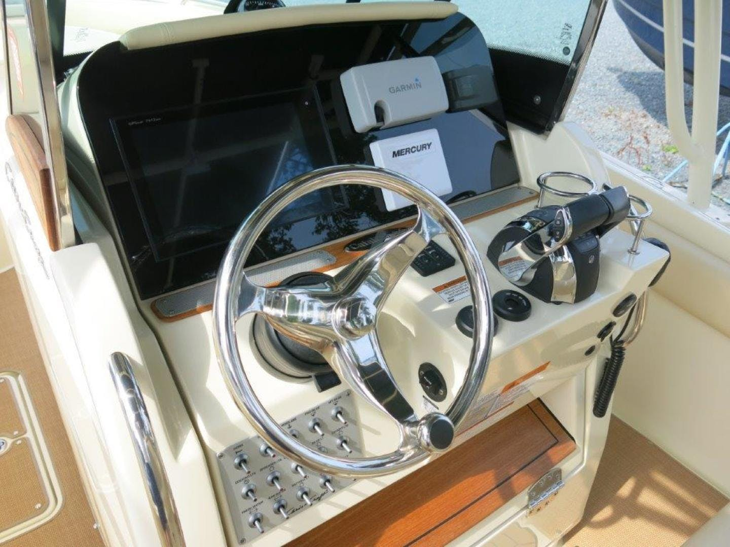 2017 Chris-Craft 26' 26 CATALINA  | Picture 8 of 17