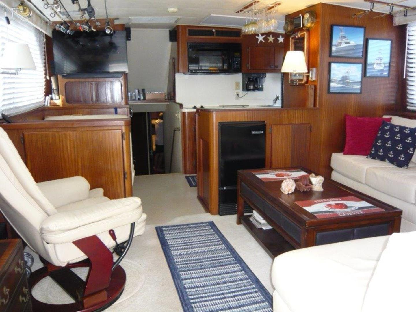 1988 Hatteras 55' Convertible No Name | Picture 4 of 57