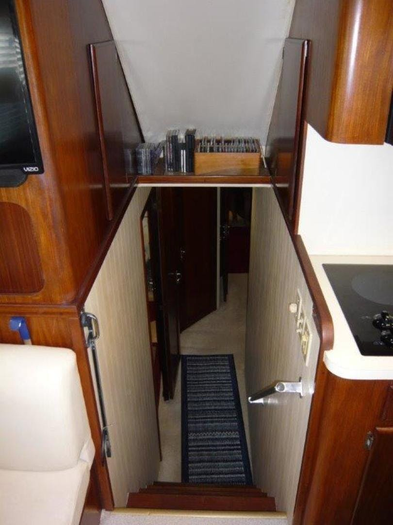 1988 Hatteras 55' Convertible No Name | Picture 5 of 57